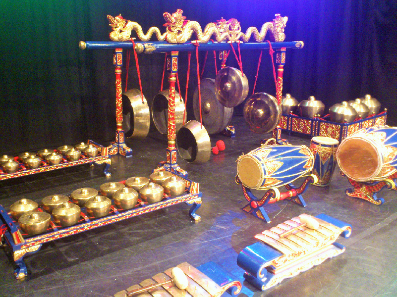 Full gamelan orchestra in a performance space.
